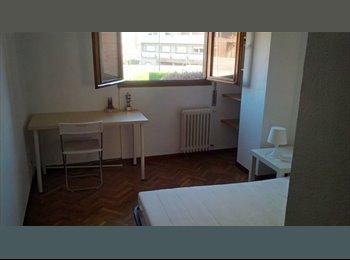 EasyPiso ES - Habitación disponible en urbanización de lujo., Zaragoza - 355 € por mes