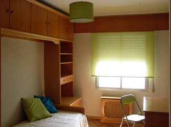 Habitación amplia y soleada
