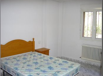EasyPiso ES - BÉJAR!- INGENIEROS.habitación grande, cama 150, luminosa, gran escritorio, sscc - Otras Áreas, Salamanca - 150 € por mes