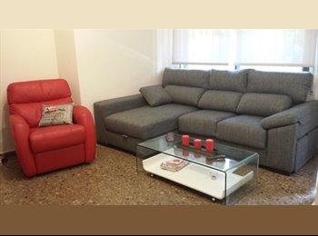 EasyPiso ES - Alquilo habitación cerca universidades - Algirós, Valencia - 200 € por mes