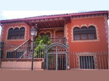 EasyPiso ES - Habitación en chalet luminoso - Otras Áreas, Granada - 180 € por mes