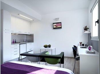 EasyPiso ES - Estudio superior en residencia de estudiantes con piscina en rooftop, Barcelona - 1.326 € por mes