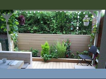 EasyPiso ES - Ofrezco habitacion en acogedora y tranquila casa en Sitges, Barcelona - 1 € por mes