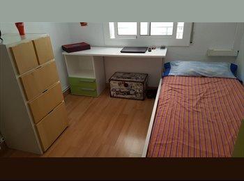 Alquilo una habitacion mediana con gastos incluidos
