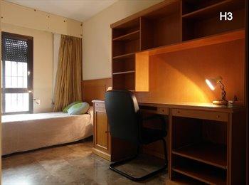EasyPiso ES - Fantástico piso de 5 habitaciones en el centro de Valencia, València - 280 € por mes