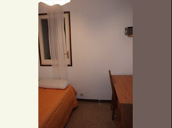 EasyPiso ES - Habitacion Individual Interior en Centro de Barcelona 10 min de Plaza Cataluña, Barcelona - 350 € por mes