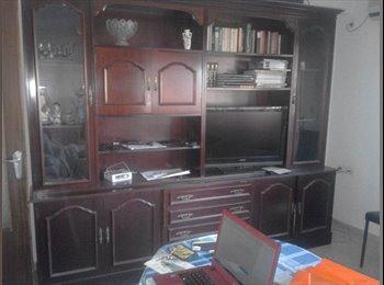 EasyPiso ES - Habitación libre en triunfo, Granada - 160 € por mes