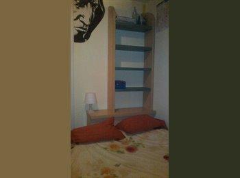 EasyPiso ES - Habitación en Marbella centro, Marbella - 350 € por mes