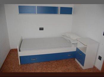 EasyPiso ES - Fantastico piso Calle Paterna del Rio en el Zapillo, Almería - 200 € por mes