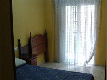 EasyPiso ES - Habitación amplia, con luz y bien situada., Granada - 166 € por mes