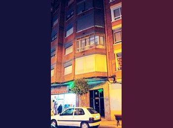 Piso compartir 4 habitaciones ,terraza 20 m2,ascensor