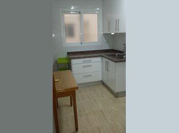 EasyPiso ES - Piso de 4 habitaciones, Almería - 720 € por mes