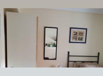 EasyPiso ES - alquilo habitacion amplia ,,´´GAY FRIENDLY´´, San Blas - 320 € por mes