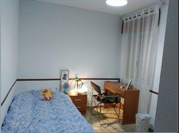 Habitacion amplia, tranquila y acogedora en pleno centro