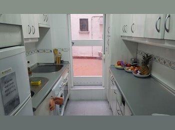 Habitación disponible para chica española