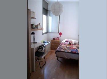Habitación agradable en piso amueblado en el Raval