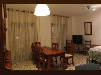 EasyPiso ES - Habitacion para chicas en zona universitaria., Granada - 200 € por mes