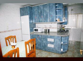 EasyPiso ES - Alquilo habitaciones con tv y frigo dentro de la habitacion, Salamanca - 220 € por mes