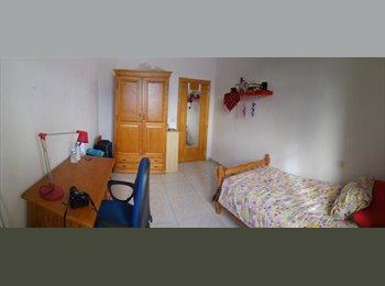 Se alquila una habitacion grande en Calle San Jorge 50//...