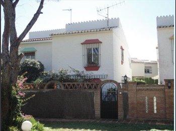 EasyPiso ES - Habitación en casa compartida, Fuengirola - 350 € por mes