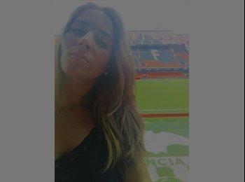 Paula - 26 - Trabajador