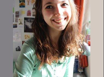 Delphine - 20 - Estudiante