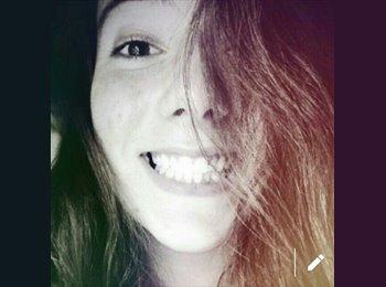 Elena - 18 - Estudiante