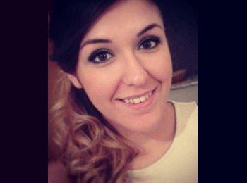 Emanuela - 26 - Estudiante
