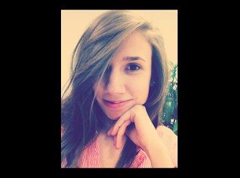 Laura - 25 - Estudiante