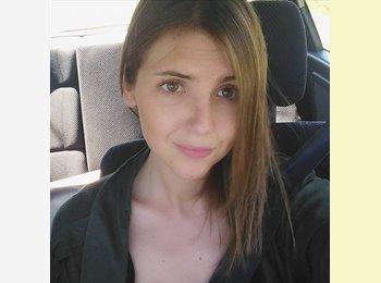 Sandra - 22 - Estudiante