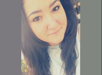 Mónica - 18 - Estudiante