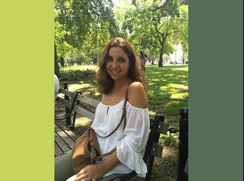 Ines Lora Ruiz - 23 - Estudiante