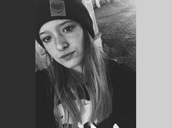Laura Moreno Gomez - 18 - Estudiante