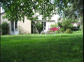 Appartager FR - Dans une grande maison à 5 min du centre - Tinqueux, Reims - 275 € /Mois
