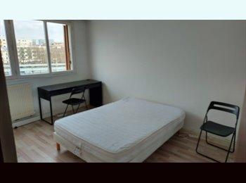 Chambre 12M2 dans appartement 75m2  meublé, proche RER