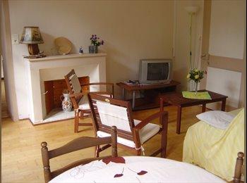 Appartager FR - grand appartement de 70 m2 avec 2 chambres, Saint-Malo - 230 € /Mois