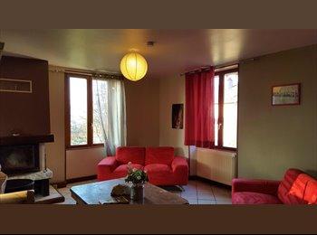 Appartager FR -  BELFORT chambre a la campagne a 5 Mn Belfort - Montbéliard, Belfort - 350 € /Mois