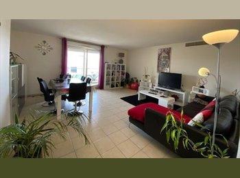 Appartager FR -  Chambre à louer à partir de Mars, Avignon - 430 € /Mois