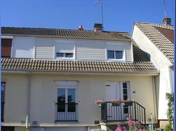 Appartager FR - Chambre chez l'habitant - Alençon, Alençon - 250 € /Mois