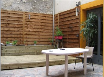 Appartager FR - maison sur 3 niveaux avec cour - Saint-Avertin, Tours - 330 € /Mois