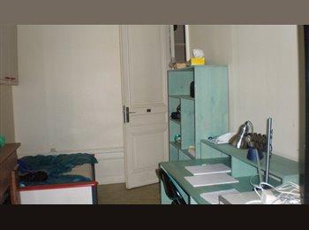 lyon centre 2ieme, 400€ TOUT compris, wifi, meublé