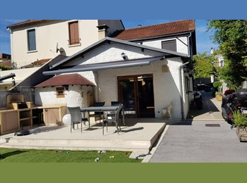 Appartager FR - Maison calme dans impasse bord de Marne, Proche RER (8 min a pied), Champigny-sur-Marne - 550 € /Mois