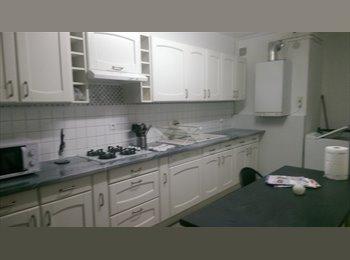 Appartager FR - Collocation à 2 pas de nancy - Frouard, Nancy - 300 € /Mois