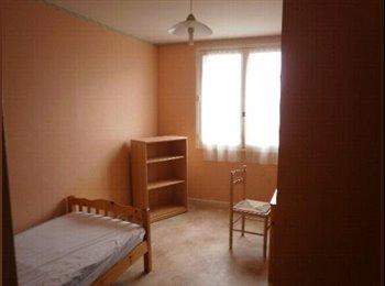 Appartager FR - chambre près de tous les commerces LA HARPE  FAC, Rennes - 280 € /Mois
