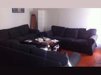 Appartager FR - Rare grand appartement en centre ville, Marseille - 550 € /Mois