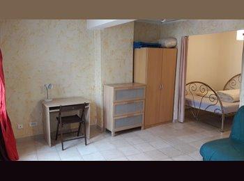 Appartager FR - Duplex à La Seyne centre, Toulon - 300 € /Mois