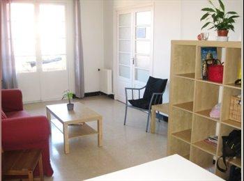 Appartager FR - appartement au centre ville avec parking - Aix-en-Provence, Aix-en-Provence - 450 € /Mois