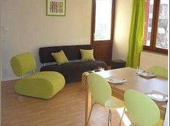 Appartager FR - Jolie chambre à Thonon près centre et gare - Thonon-les-Bains, Annemasse - 395 € /Mois