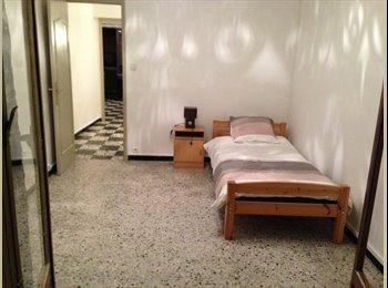 Appartager FR - Colocation dans une copropriété a St.Charles - 3ème Arrondissement, Marseille - 400 € /Mois