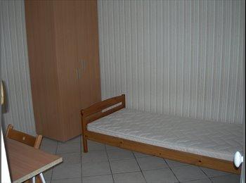 loue chambre meublée  libre de suite